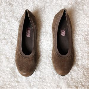 Munro American Brown Flats Size 6